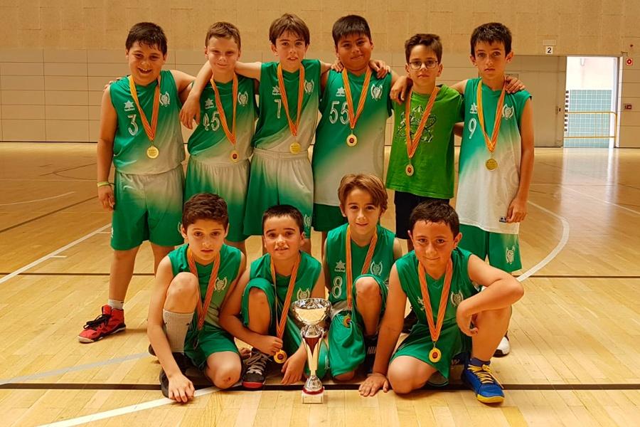 El Premini B Masculí campió del Consell Esportiu de l'Hospitalet